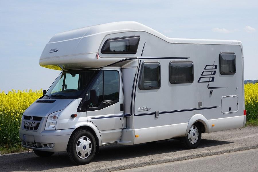 Camping-car _ pourquoi voyager à bord d'un véhicule aménagé _